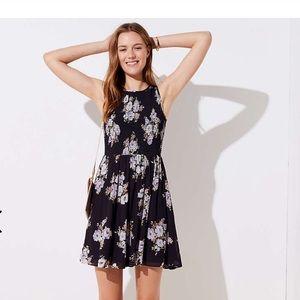 NWT Loft BOUQUET SMOCKED FLARE DRESS size 2